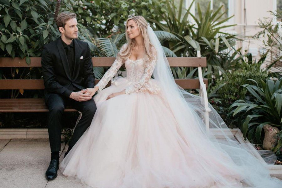 The Love Story Looks Like A Fairy Tail Youtuber Pewdiepie Is Married To His Girlfriend Marzia