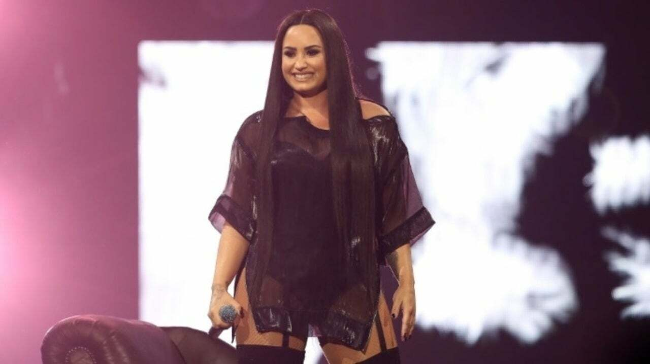 Videos: Demi Lovatos Snapchat HACKED & Alleged Nude