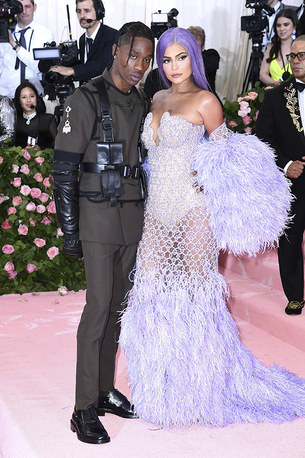 Kylie Jenner & Travis Scott's Relationship Status FINALLY REVEALED!!!