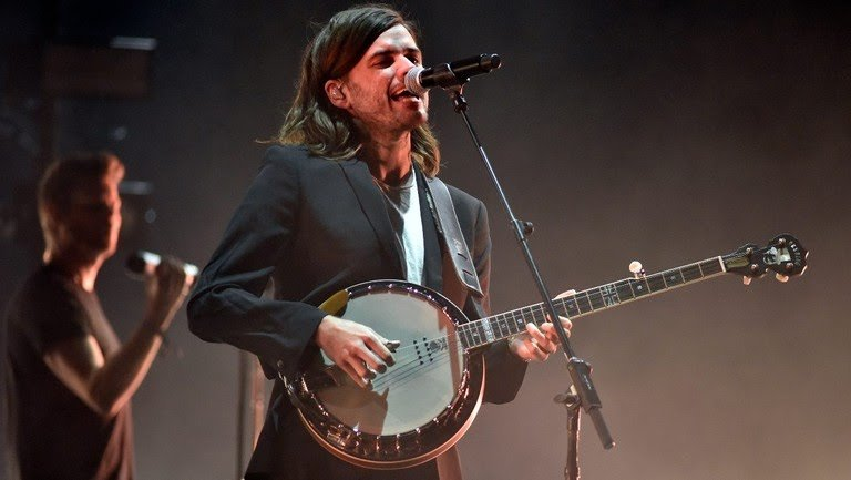 Mumford & Sons' Banjo Player, Winston Marshall Slammed On Social Media for Supporting Right-Wing Author!!!