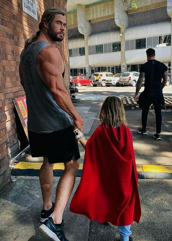 Chris Hemsworth posts photograph of his HUGE ARMS- however individuals are remarking on his THIN LEGS!!!