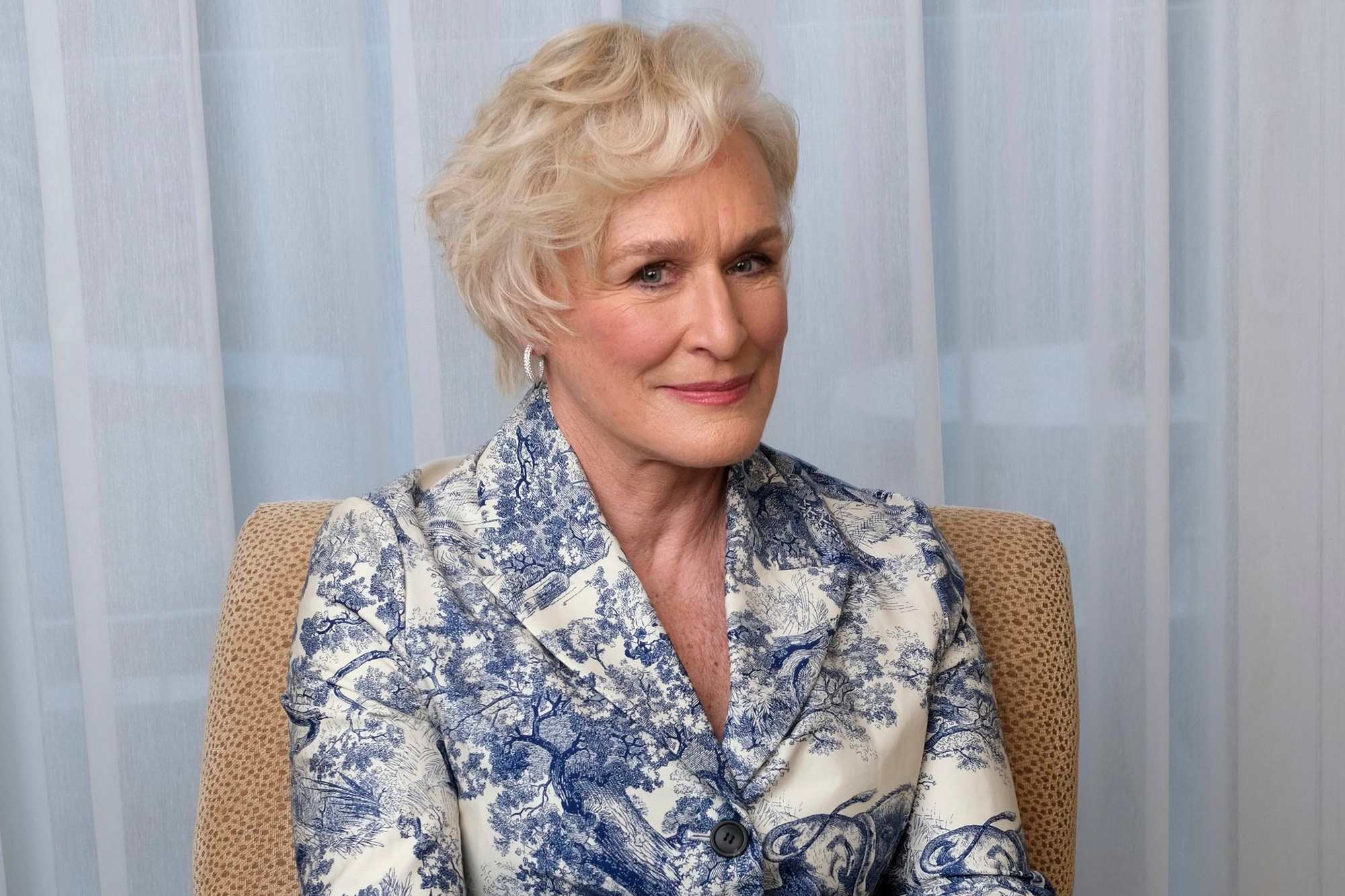 Glenn Close recalls his damaging experience growing up with a religious cult. – News Block