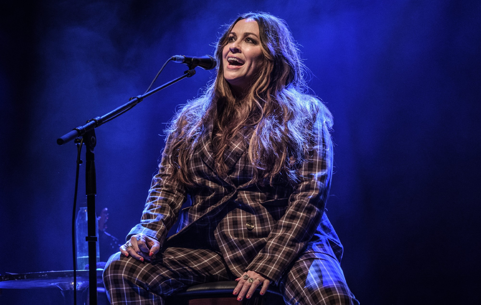 Alanis Morissette Unveils New Dates for 'Jagged Little Pill' 25th Anniversary Tour!!!