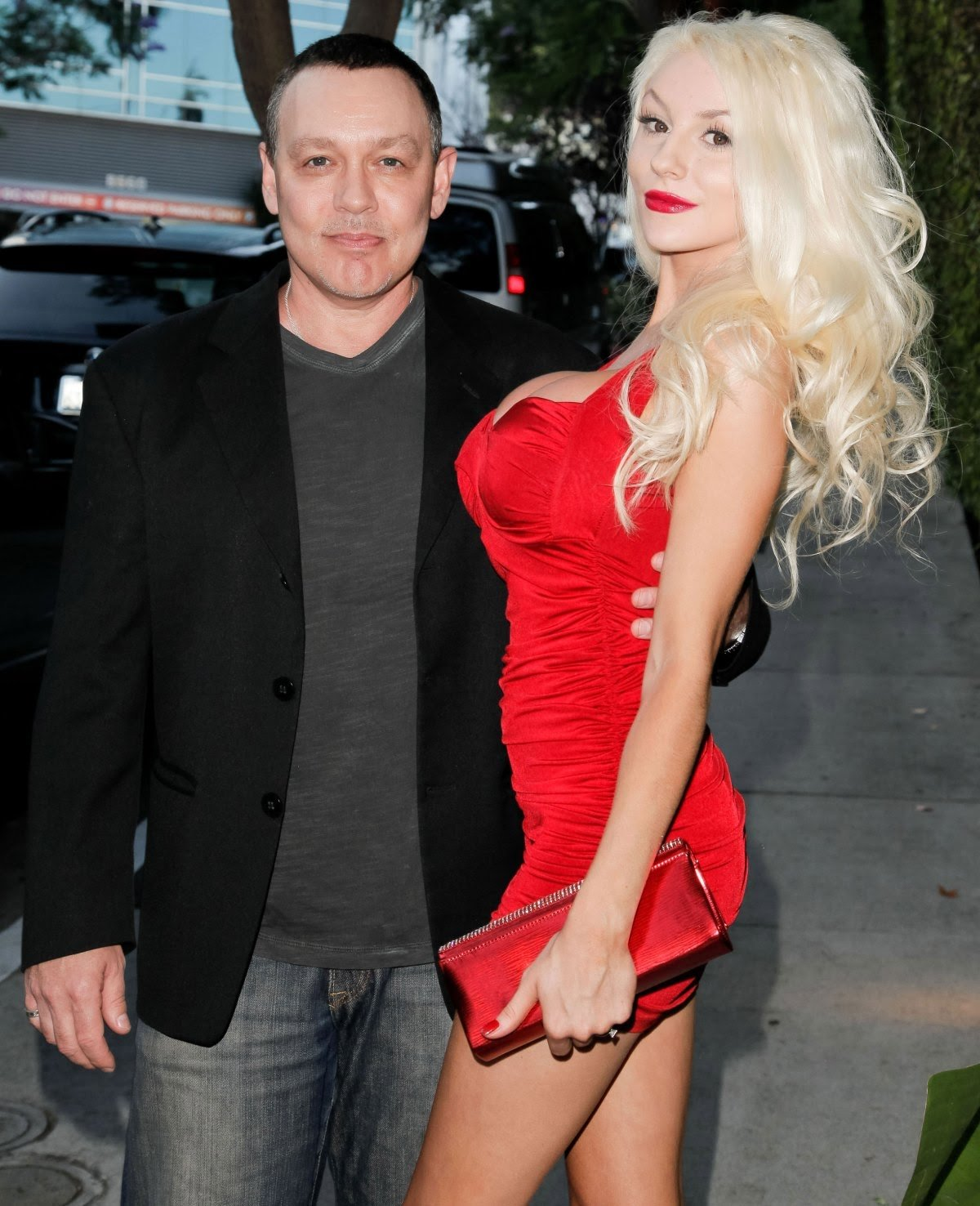 Courtney Stodden gets engaged to Chris Sheng … !!!